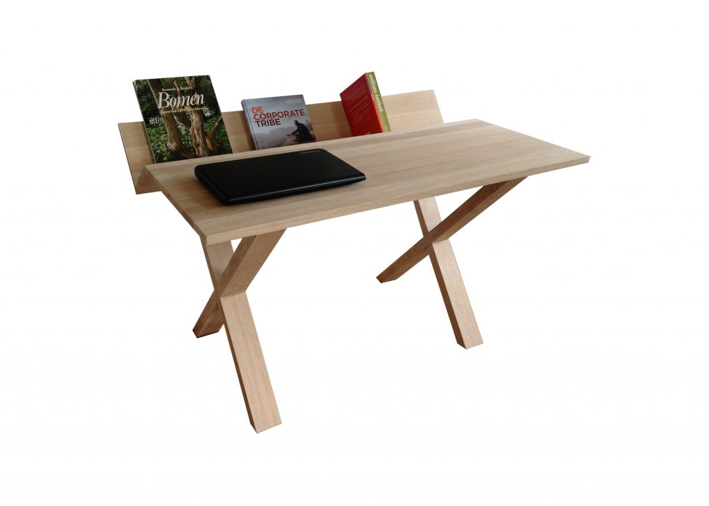 Desk -Bureau met kruispoten van Europees eiken